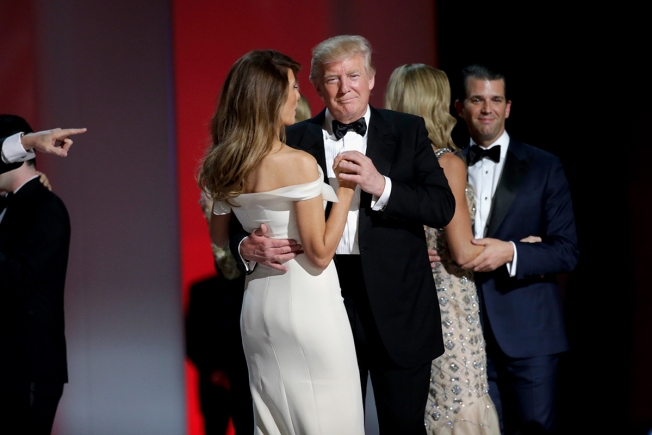 Billionaires, companies power Trump's record inaugural haul