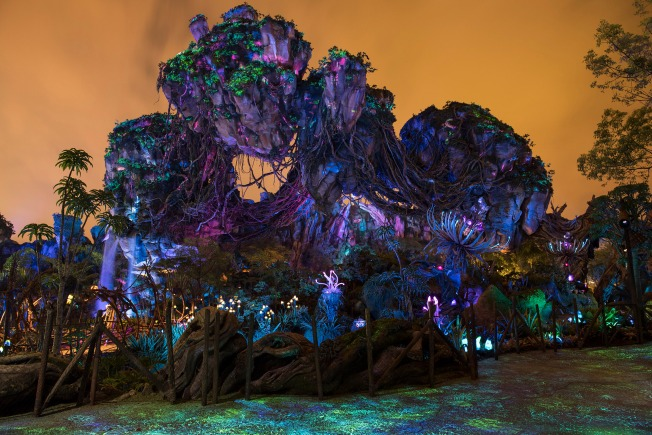 Disney's 'Pandora' Brings  Long Lines, Huge Crowds