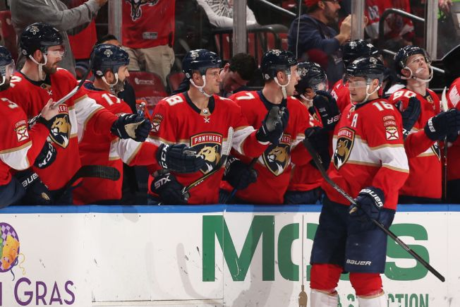 Aleksander Barkov Scores Twice to Lead Florida Panthers Past Vancouver Canucks