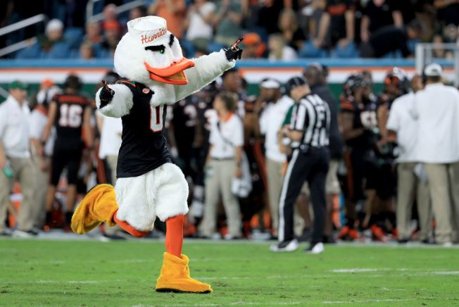 Miami Scores Two Touchdowns in Seven Seconds To Tie Game Against Virginia