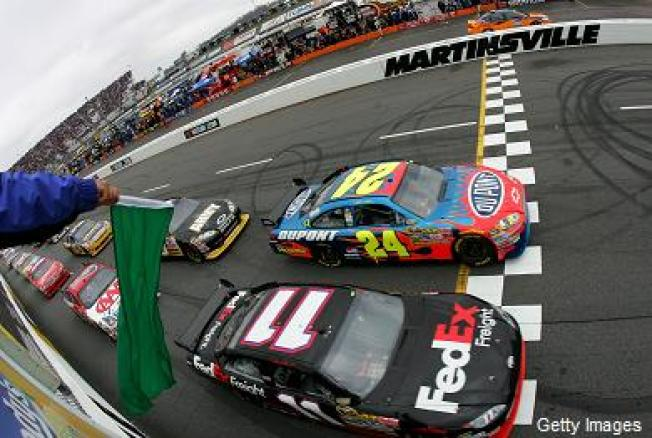 NAACP Wants NASCAR to Wave Goodbye to Confederate Flag