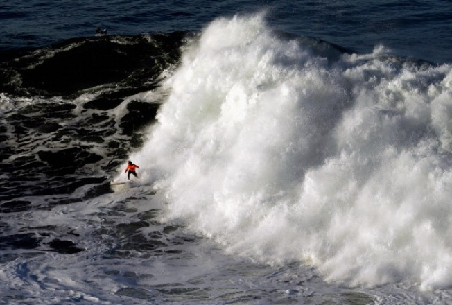 "WATCH: ""Super Bowl of Surfing"" Kicks Off"