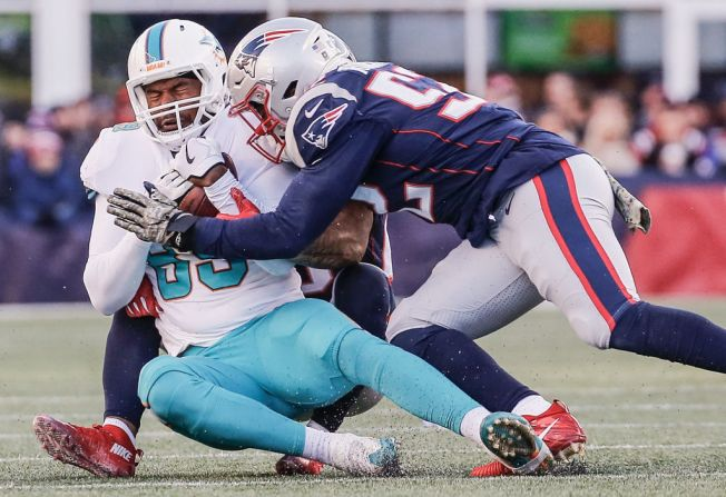 Miami Dolphins Blunder Their Way to 35-17 Loss to New England Patriots