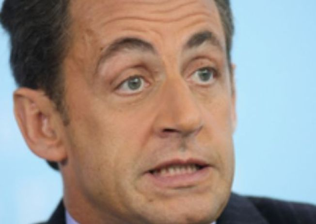 Bruni-Sarkozy Gives Obama The Cold Shoulder