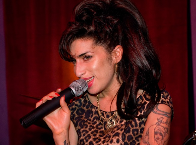 Amy Winehouse in Rehab at Dad's Behest
