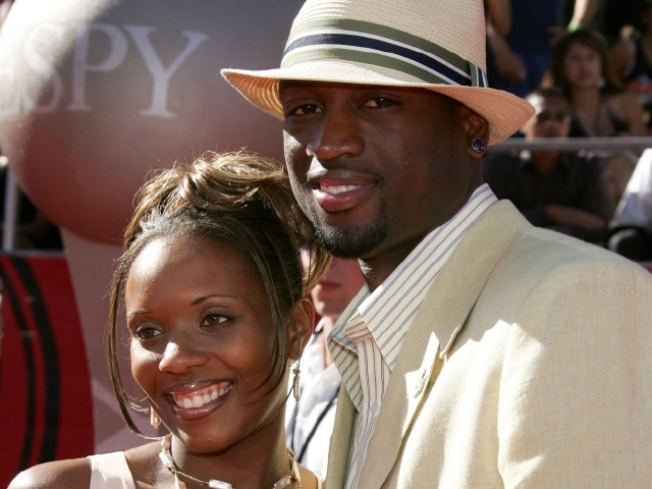 Wade's Wife Surrenders to Authorities