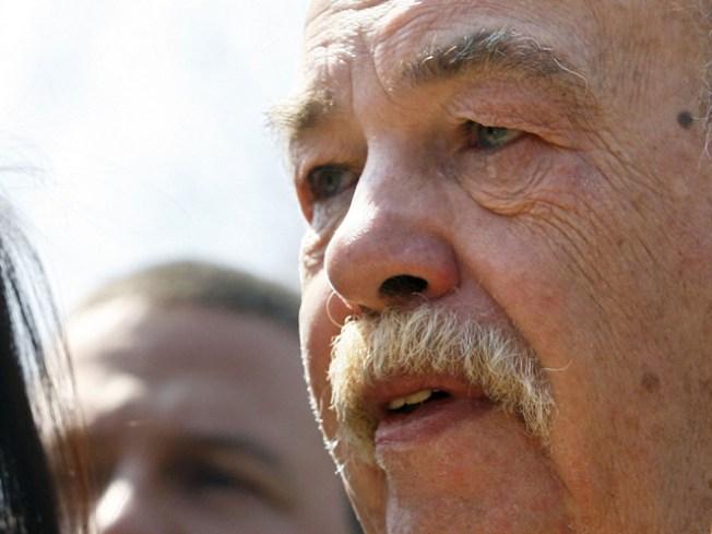 Father of Terri Schiavo Dead at 71