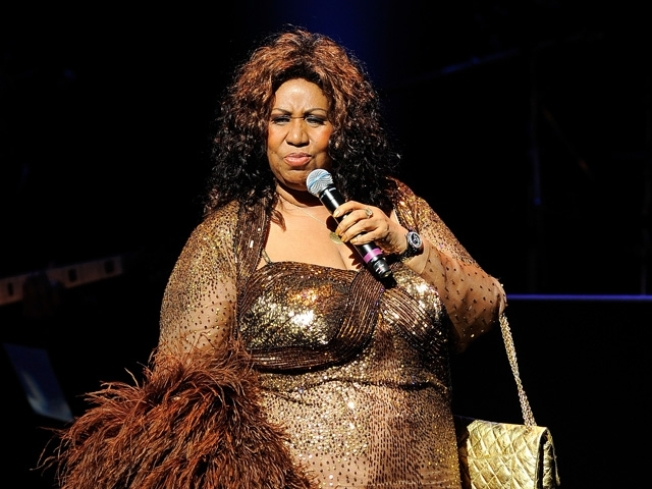 Aretha Franklin Cancels Appearances for 6 Months