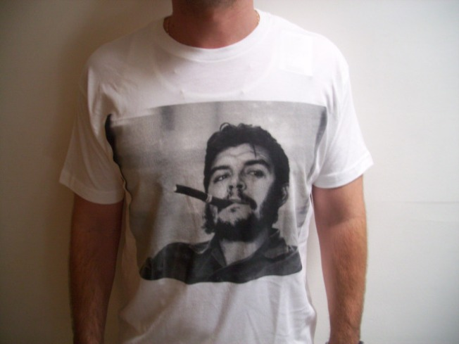 Che Tee Has Miami Seeing Red