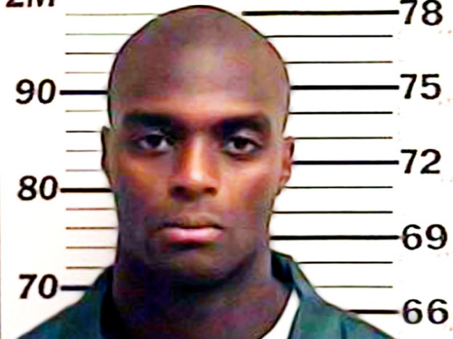 Plaxico Looking to Work His Way Out of Jail