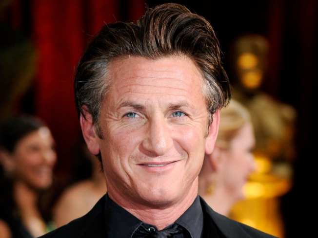 Director: Sean Penn 'Back' For 'Three Stooges' – 'Hall Pass' Up Next
