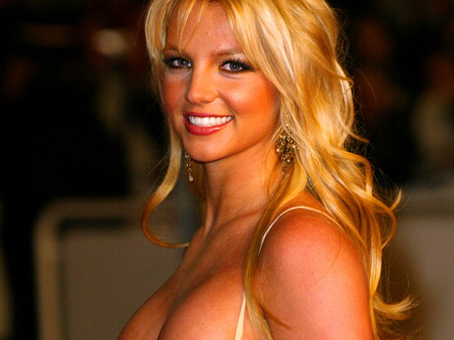 Britney Spears Returns to the Studio: Report