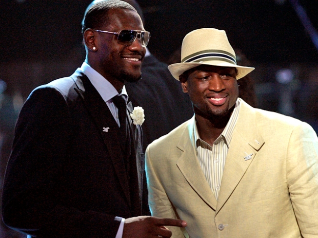 LeBron Rumor Explodes, Doesn't Become More True