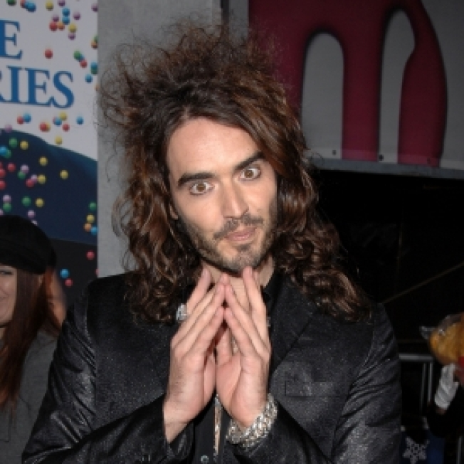 Russell Brand Talks 'Pirates' Sequel, Bringing His 'Booky Wook' Stateside