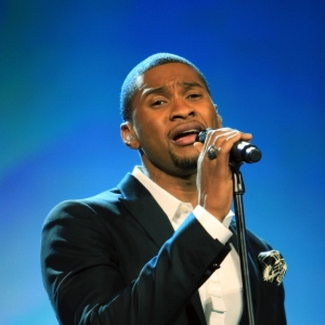Usher Apologizes For Chris Brown Comment
