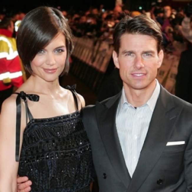 Tom Cruise & Katie Holmes Won't Be At Oscars