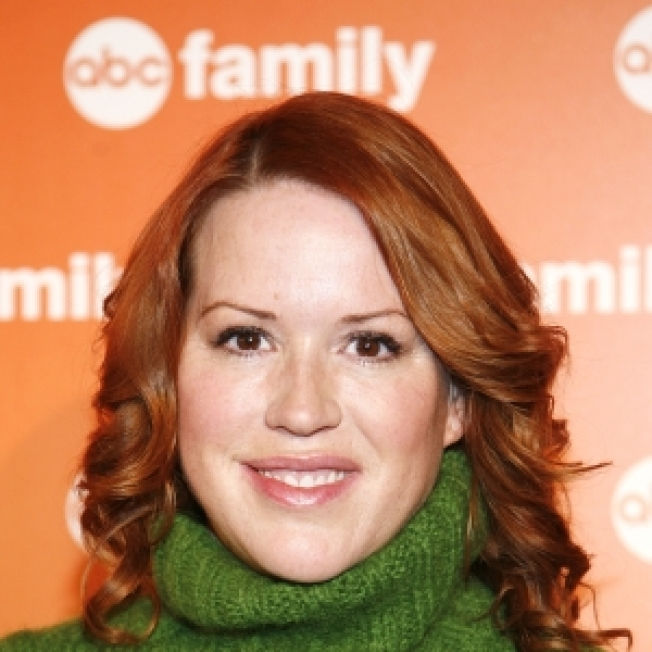 Molly Ringwald Expecting Twins
