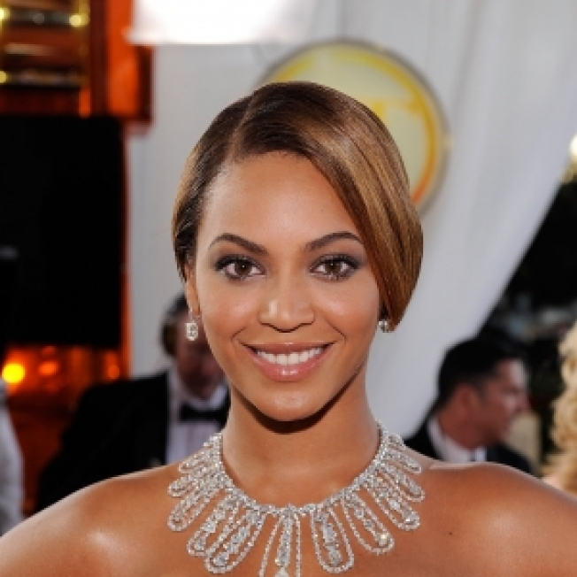ROLL CALL:  Beyonce All Atwitter Over Twitter