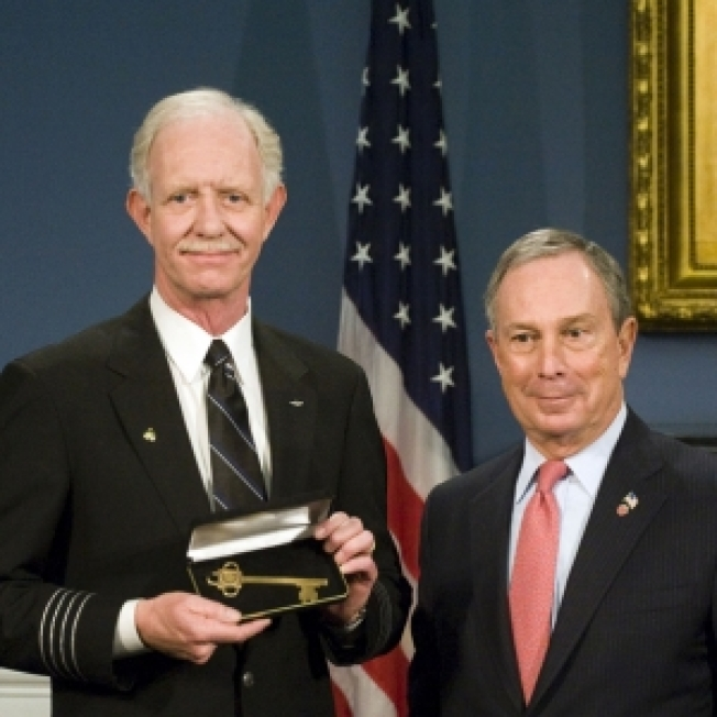 Capt. Sully, 'Hudson Miracle' Flight Crew Receive Key To NYC