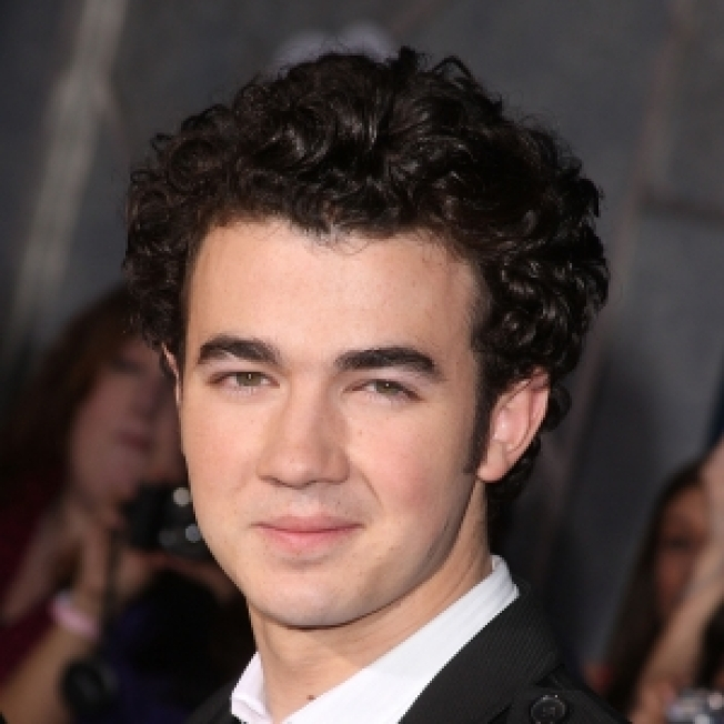 Kevin Jonas: I Wanted To Work At The Gap