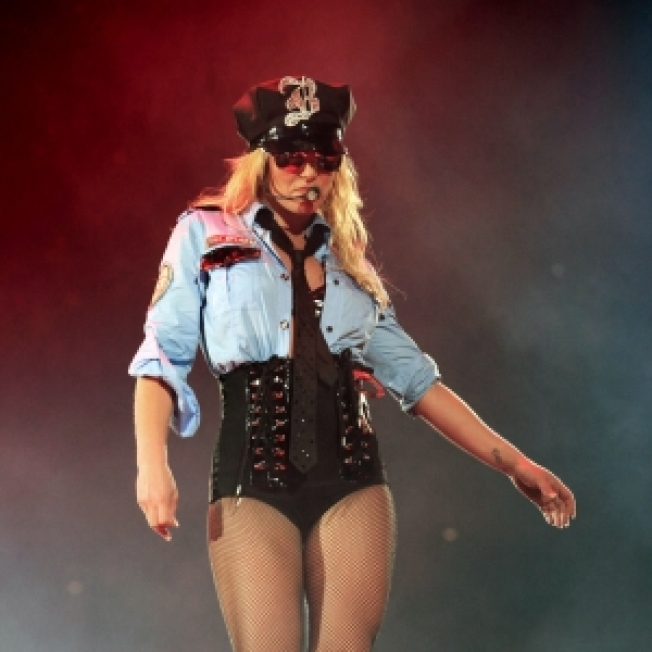 Britney Concert Halted Due To Smoke