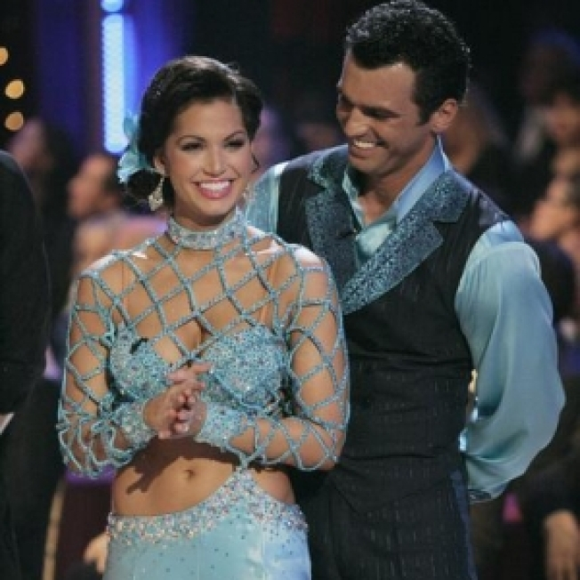 Melissa Rycroft Pulls Out Of 'Dancing' On Monday Following Injury To Her Ribs