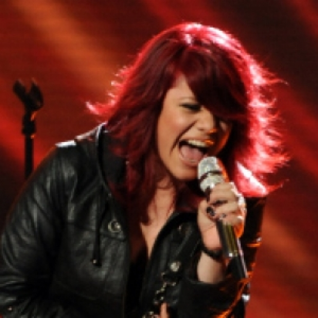 'American Idol's' Allison Iraheta Signs Record Deal