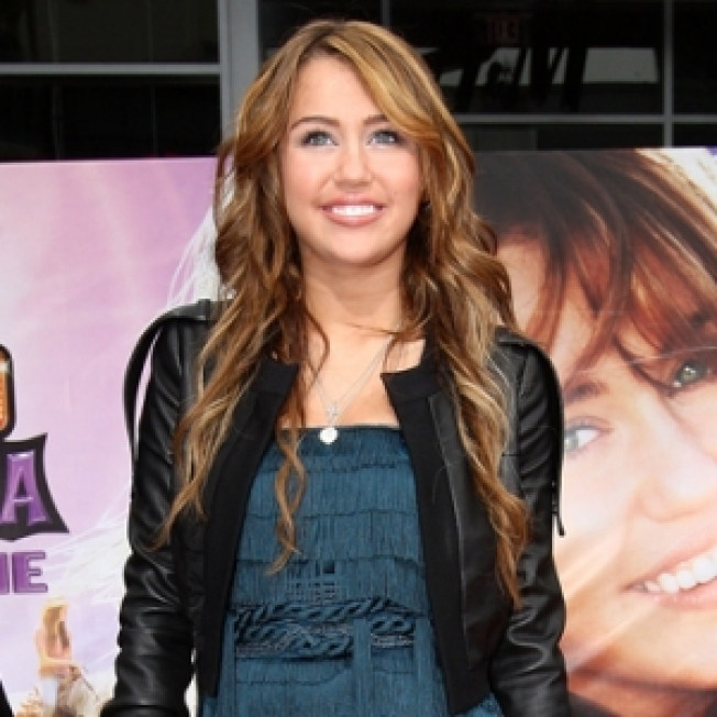 Miley Cyrus Honored By PETA Over Chicken Treatment