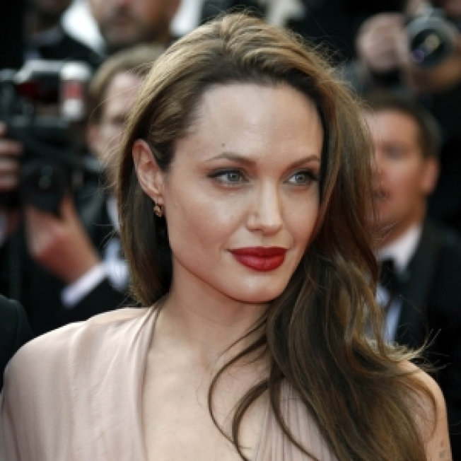 ROLL CALL: Angelina Jolie Dissed By Designer?