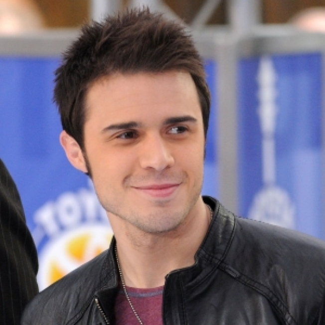 ROLL CALL: 'American Idol' Kris Allen Wants To Get More Manly