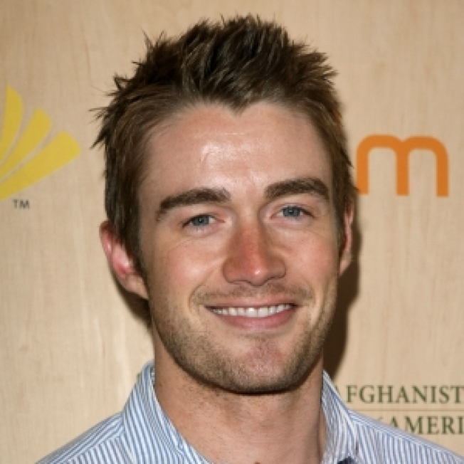 Robert Buckley Joins 'One Tree Hill' Cast