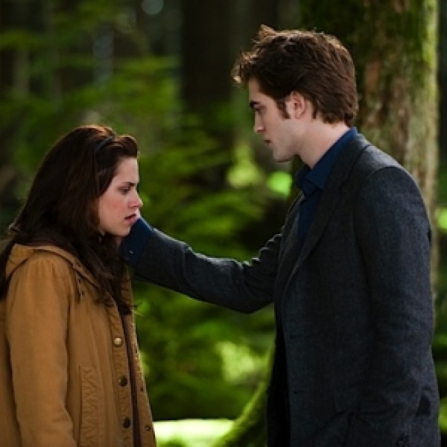 'Eclipse' To Start Shooting In August, Town Holds 'Twilight' Symposium