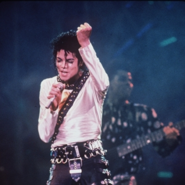 Michael Jackson Returns To The Top Of The Charts