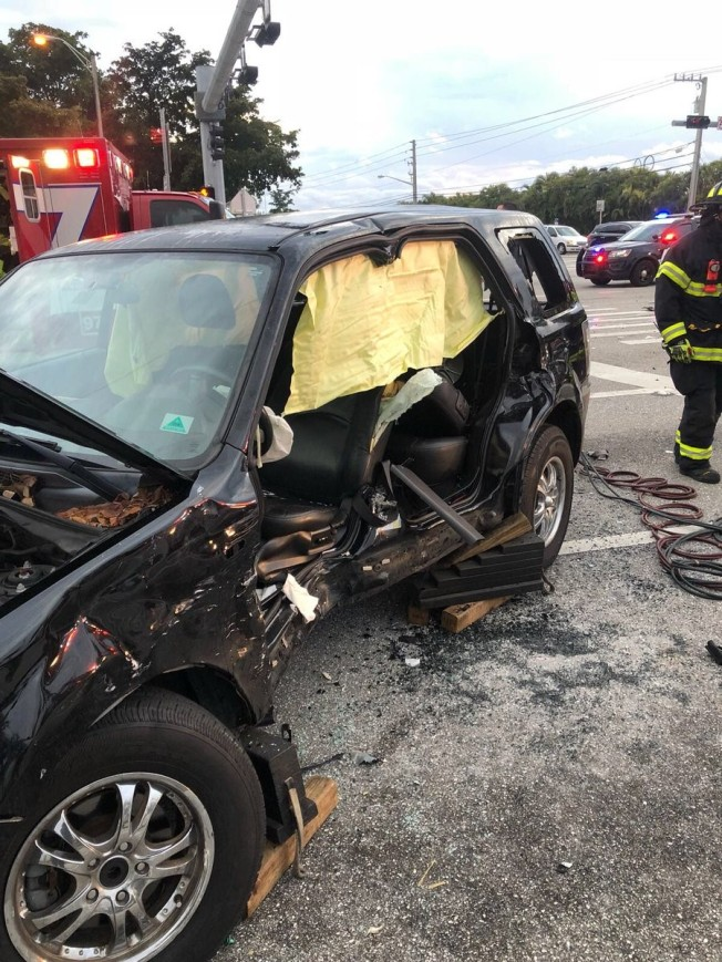 Coral Springs Crash Sends Two People to Hospital in Serious Condition