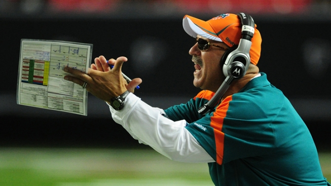 Dolphins Preparing for Patriots Fans in Miami