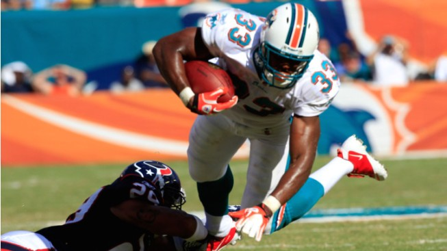 Dolphins' RB Daniel Thomas Back in Practice