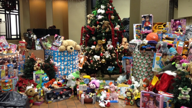 Kids Wanted: Los Angeles Toy Giveaway Has 30K Extra Gifts