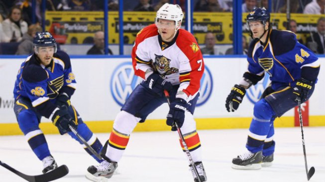 Panthers Re-Sign Dmitry Kulikov: Report