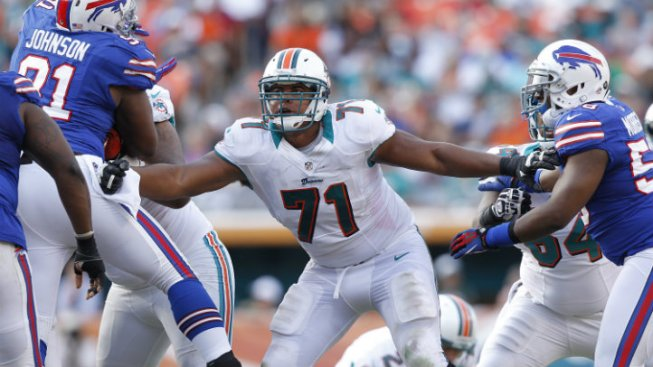 AP Source: Miami Dolphins' Jonathan Martin Out With Emotional Issues