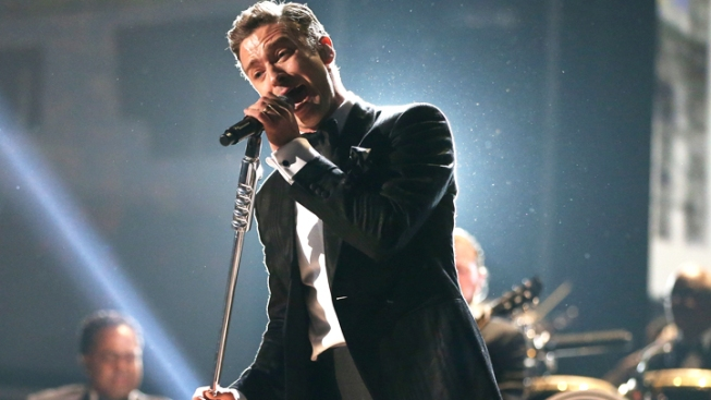 """Justin Timberlake Performs """"Take Back the Night"""" for 150 Lucky Fans at Iconic New Jersey Club"""