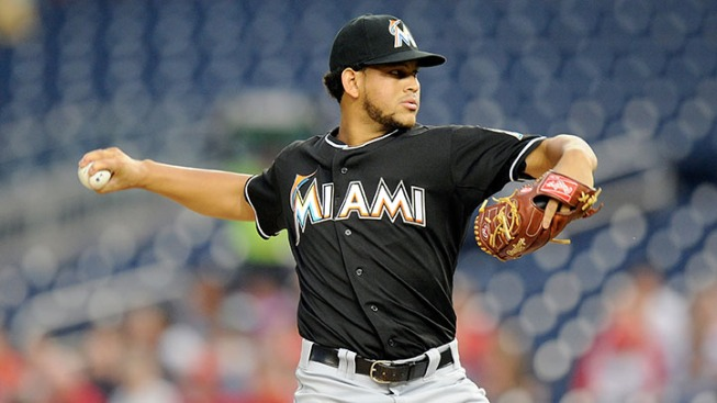 Miami Marlins Hang on for 10-7 Win Over New York Mets