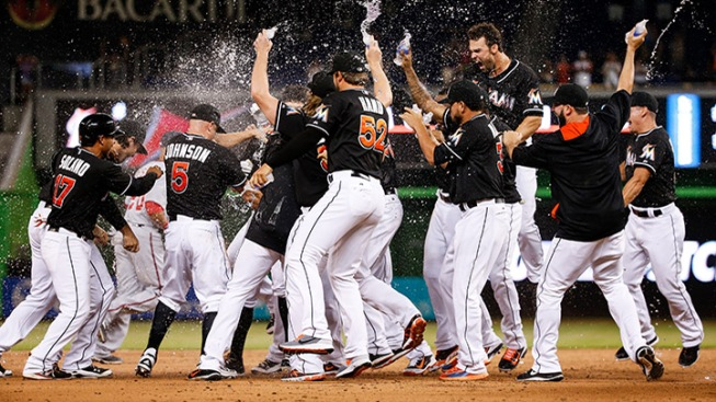 Marlins Storm Back With Four Runs in Ninth To Win