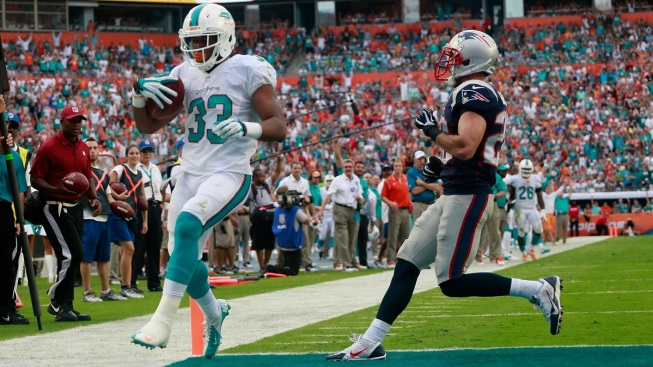 Daniel Thomas, Miami Dolphins Running Back, Questionable for Game Against Jets