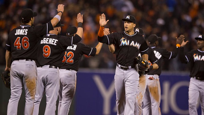 Marlins Enter Weekend Series Tied For First With Atlanta