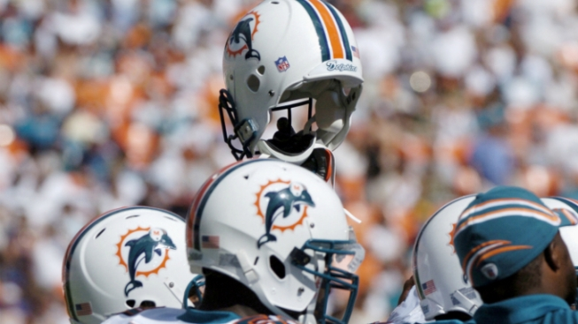 Dolphins Considering Logo Change