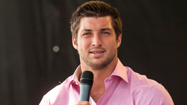 """Texas Megachurch: Tebow Canceled to """"Avoid Controversy"""""""