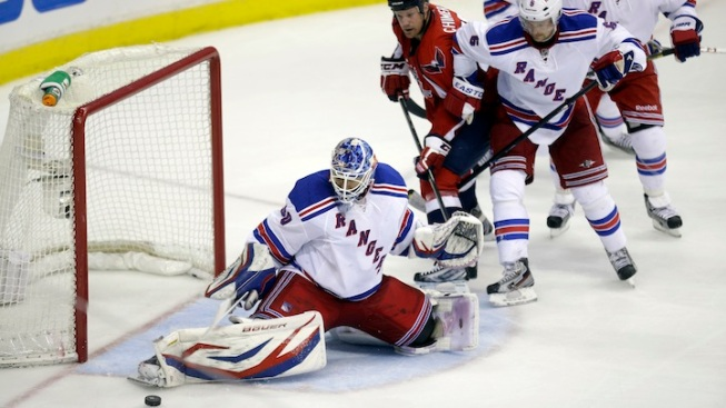 NHL Playoffs: Braden Holtby Leads Capitals to Win