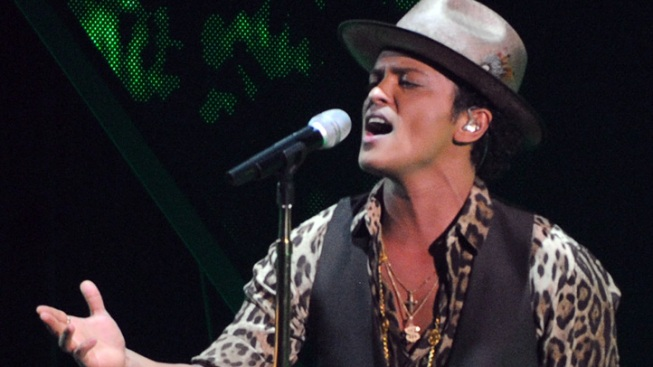 Bruno Mars to Sing at Super Bowl Halftime Show
