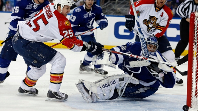 Florida Panthers Beat Lightning on Mueller's Goal in Shootout