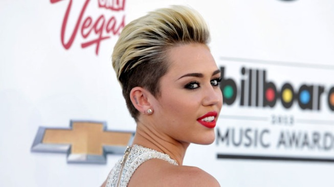 "Miley Cyrus' ""Wrecking Ball"" Video Breaks Record"